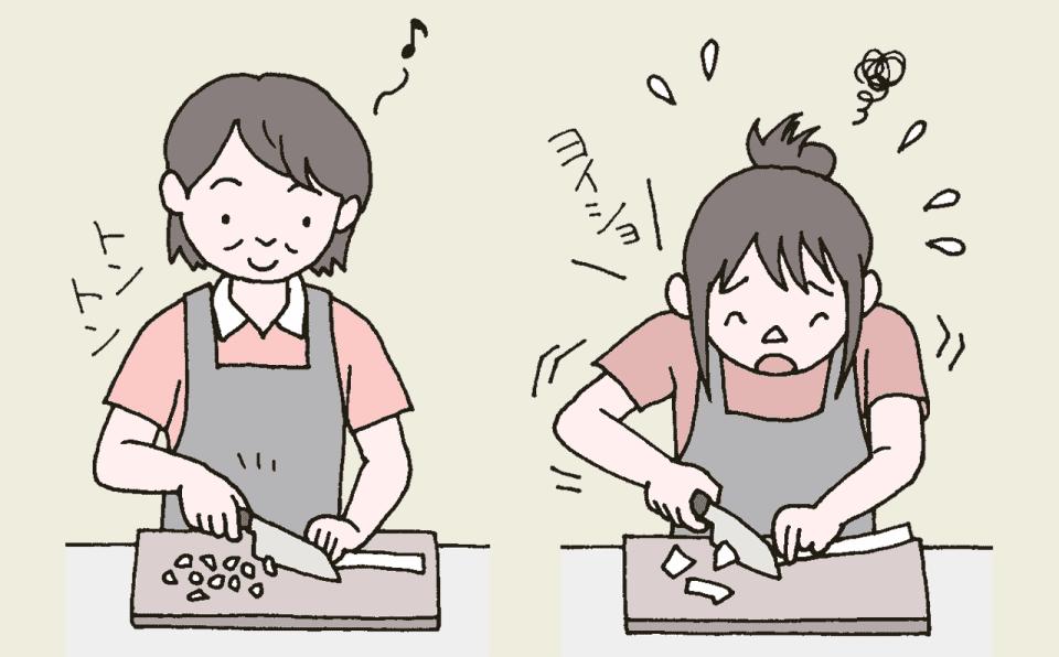 手際よく調理をするヘルパーと、ヨイショと危なっかしく調理をするヘルパーのイラスト